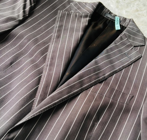 6747 超美品 シルク混 Ferragamo フェラガモ メンズ スーツ イタリアン ストライプ グレーxホワイト M~L ペンシルストライプ_画像4
