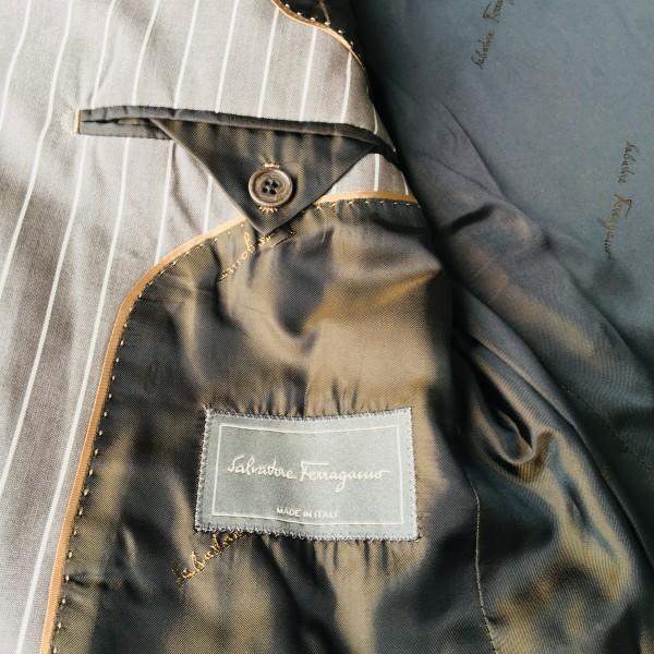 6747 超美品 シルク混 Ferragamo フェラガモ メンズ スーツ イタリアン ストライプ グレーxホワイト M~L ペンシルストライプ_画像9
