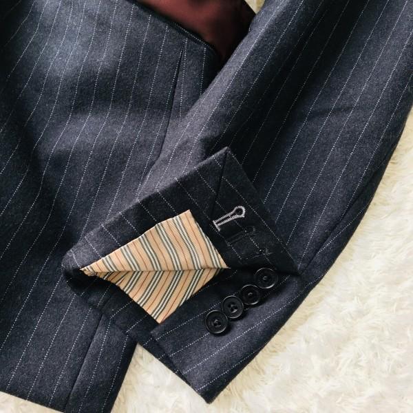 6733 美品 バーバリーブラックレーベル Burberry スーツ ダークグレー メンズ ストライプ 本切羽 アームホール ホワイト ワインレッド_画像6