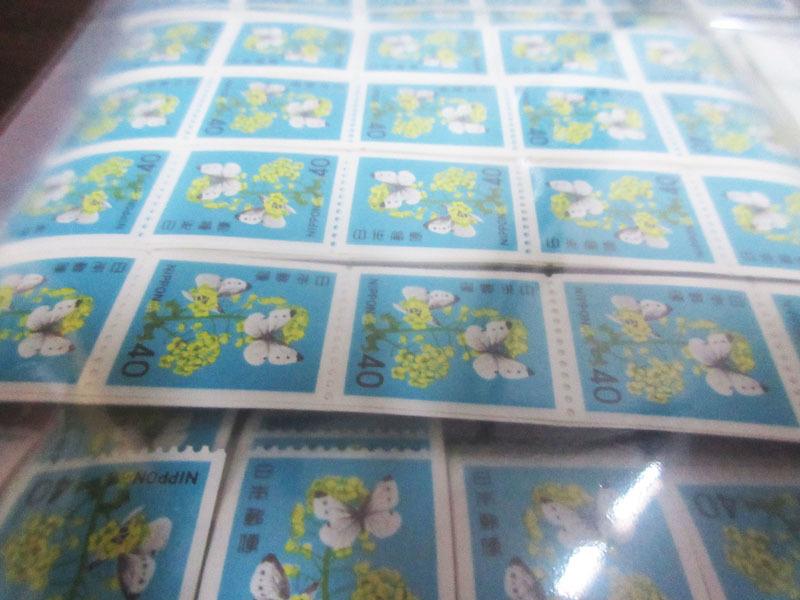 ☆K76 【切手】 まとめて 未使用 額面102,505円 バラ 記念切手 普通切手 年賀切手 通信切手 日本切手 日本郵便 _画像2
