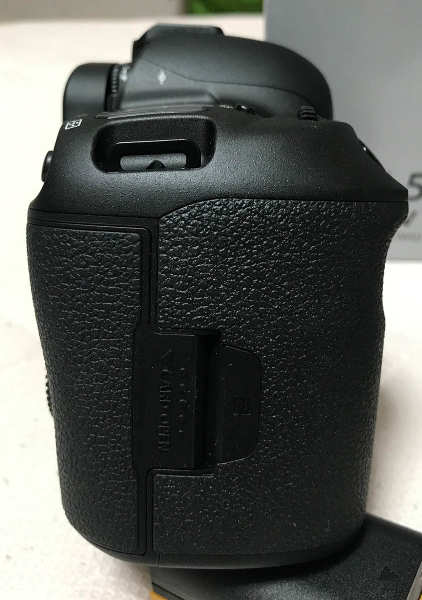 【Canon】キヤノン『EOS 5D Mark IV ボディー』EOS5DMK4 3040万画素 フルサイズ _画像6