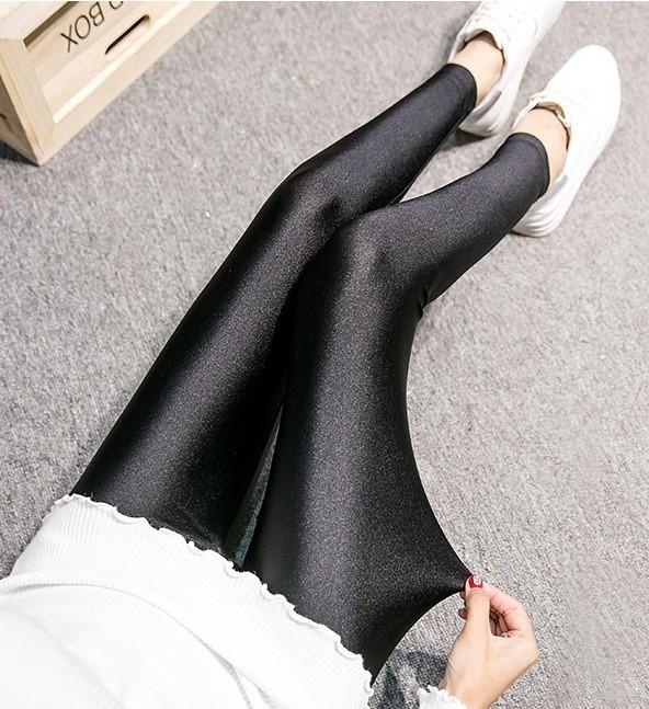 a335【Lサイズ】レディース 光沢 レギンス 9分丈 薄地 スパッツ ぴったりフィット セクシー 美脚 美尻 人気 ブラック 黒