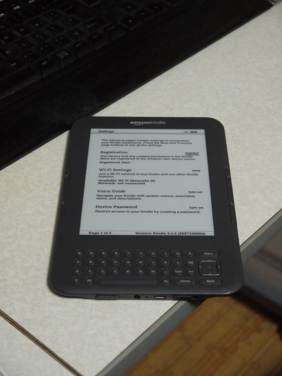 """amazon kindle MODEL:D009001 Wi-Fi 6"""" E Ink Display eBook Reader with Genuine Smart Case"""