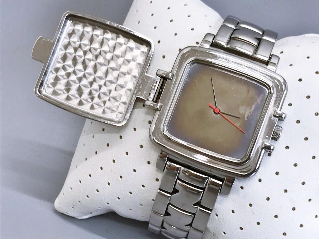 ジャンク品 Zippo ジッポ 10周年記念腕時計 03 No.0035 メンズ腕時計 記念腕時計 ウォッチ カバー付きウォッチ_画像4