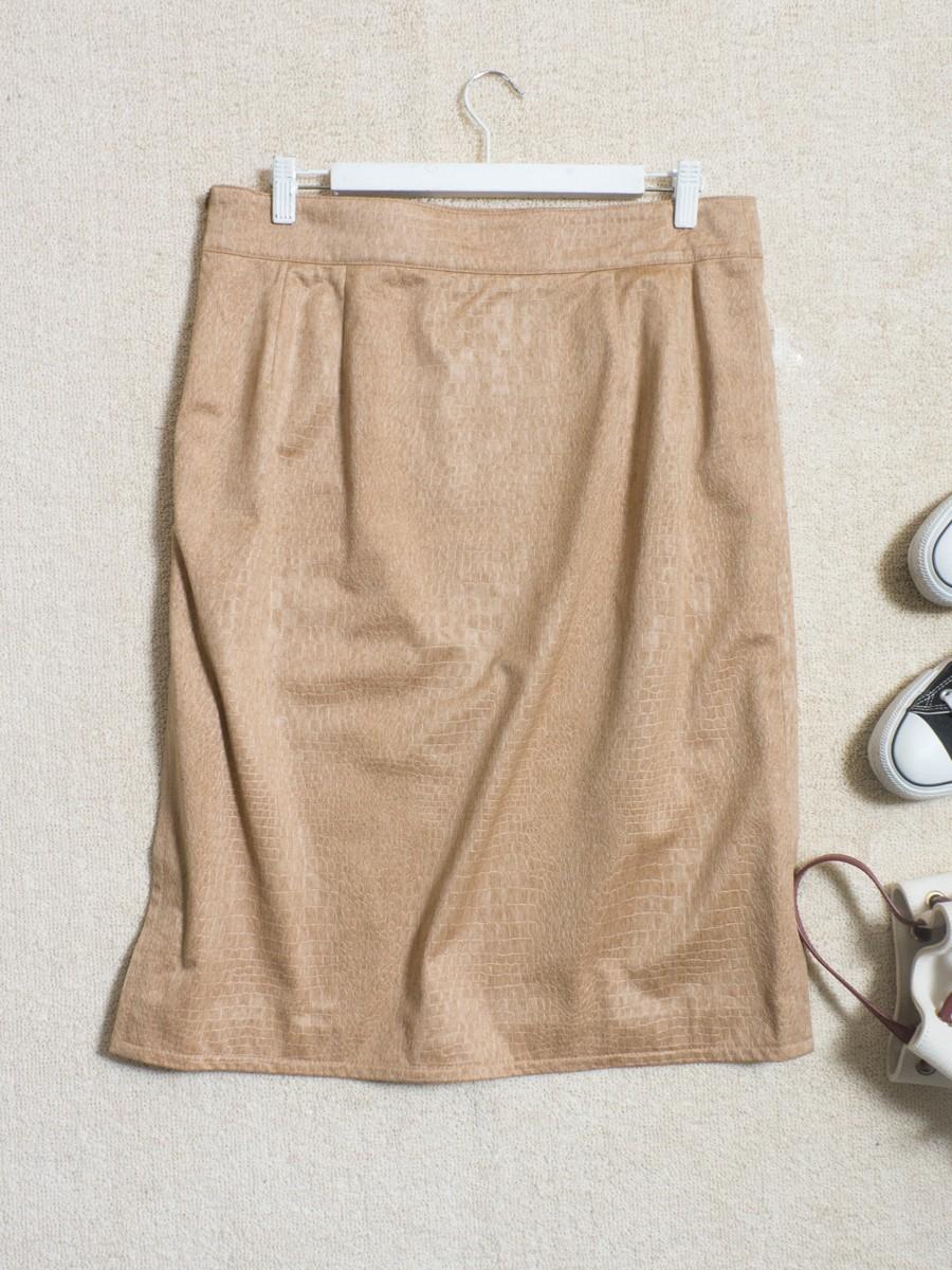 ゆうパケット◯ 美品 MOGA スカート ジャージ ストレッチ クロコ 型押し シンプル 上品 フェミニン 大きい ベージュ 17 日本製 7f7c004_画像2