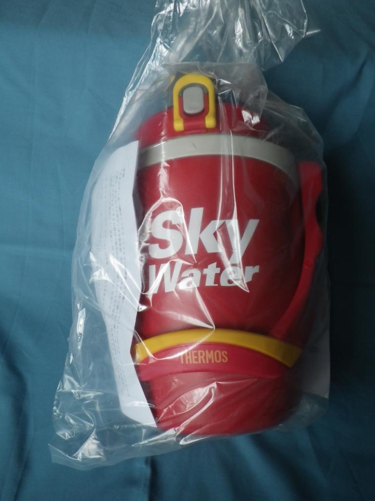 サーモス スポーツジャグ 1.9L バーニングレッド FPG-1901 BNR SKY WATER非売品
