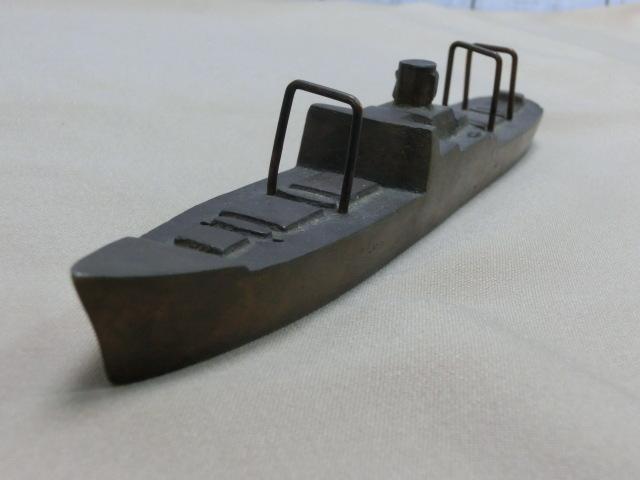 昭和レトロ テーブルコレクション 商船 貨物船深水記念品 一部部品欠品 文鎮 置物  KAMIKAWAMARU 1951_画像2