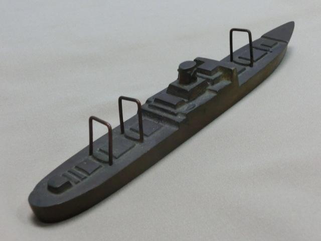 昭和レトロ テーブルコレクション 商船 貨物船深水記念品 一部部品欠品 文鎮 置物  KAMIKAWAMARU 1951_画像3