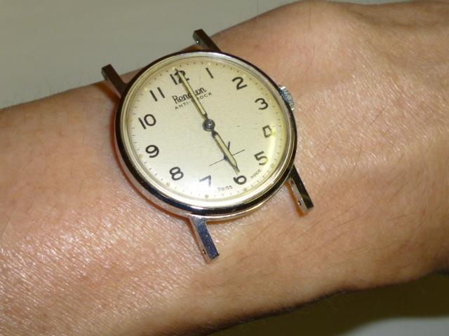 50s ビンテージ RENOWN 腕時計 手巻き ウォッチ スイス製 ミリタリー ダイヤル スモールセコンド スモセコ 機械式 稼働品 美品_画像10