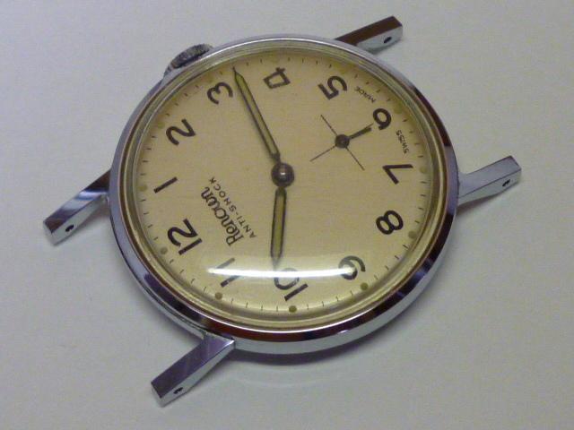 50s ビンテージ RENOWN 腕時計 手巻き ウォッチ スイス製 ミリタリー ダイヤル スモールセコンド スモセコ 機械式 稼働品 美品_画像3