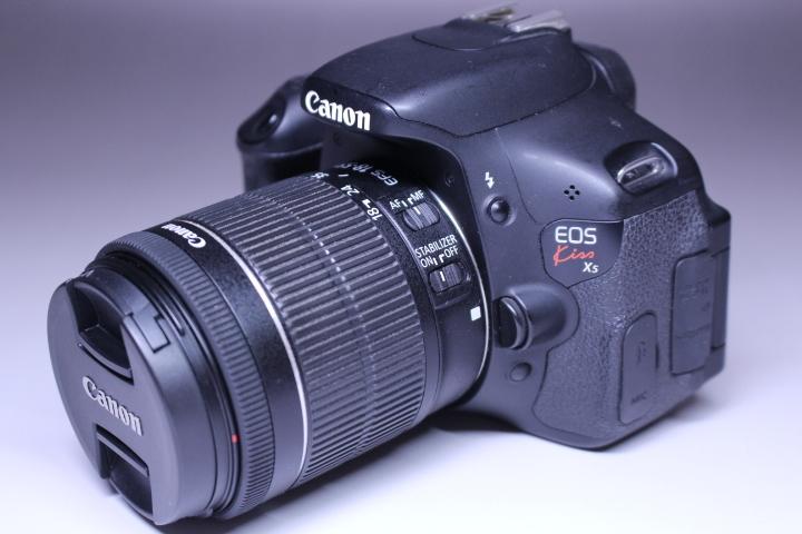 3■ キャノン カメラ EOS kiss X5 ジャンク品_画像2