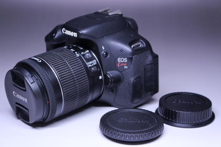 3■ キャノン カメラ EOS kiss X5 ジャンク品
