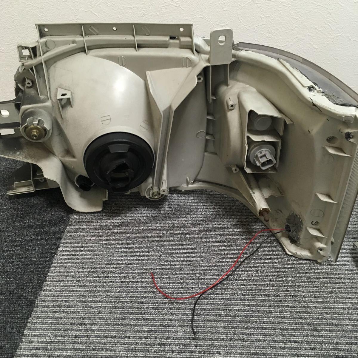 中古 200系 2型 ハイエース カスタムヘッドライト左右セット LEDウインカー ブラックアウト 加工品_画像6