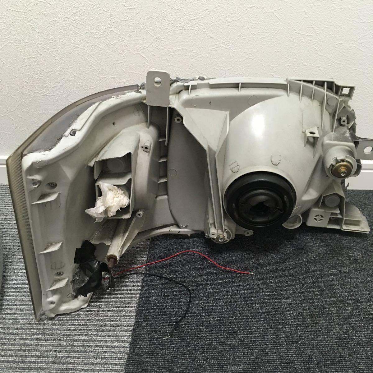 中古 200系 2型 ハイエース カスタムヘッドライト左右セット LEDウインカー ブラックアウト 加工品_画像7