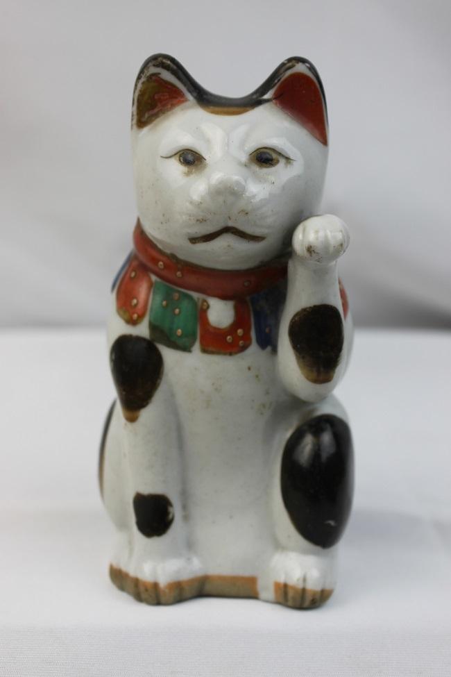 【胡】レア アンティーク レトロ まねき猫 磁器 左手招き 白磁製 大正~昭和初期 置物 招福 商売繁盛 開運 縁起物