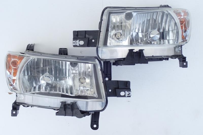 bB QNC20 QNC21 QNC25 純正 HID ヘッドライト 左右セット B1-2 即決あり_画像1