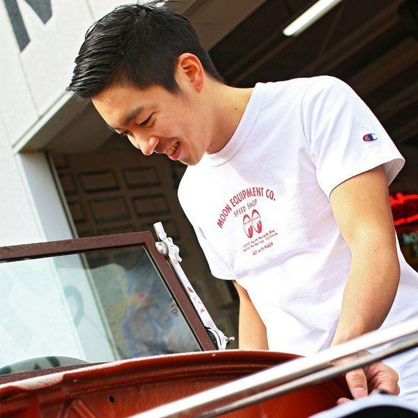 Mサイズ MOONEYES × Champion 188円発送可 speed shop スピードショップ Tシャツ ムーンアイズ ホワイト チャンピオン コラボ 車 バイク_画像1