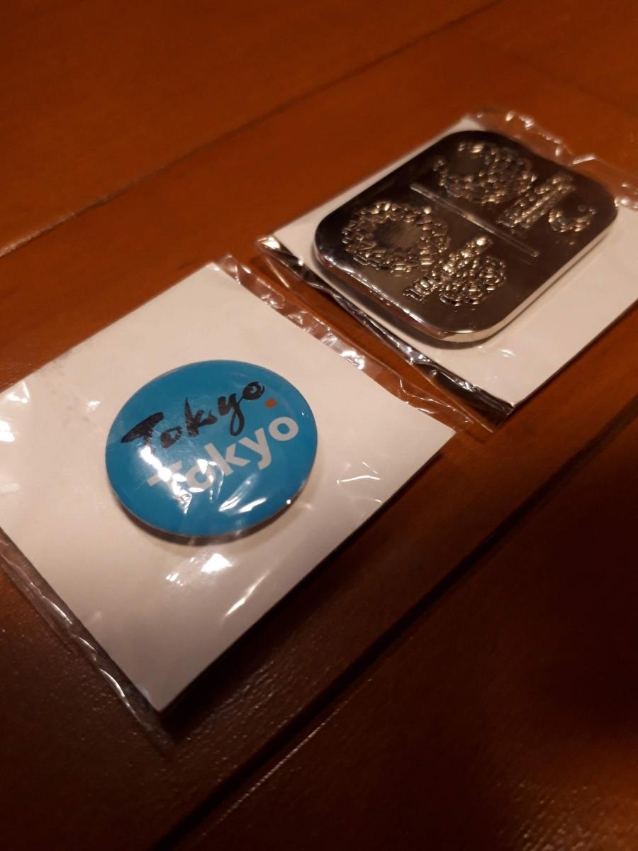 新品 東京都小池都知事着用2個セット 東京オリンピック パラリンピック視覚障害者シルバー 銀 青 Tokyo Tokyo ピンズ ピンバッジ バッヂ _画像3