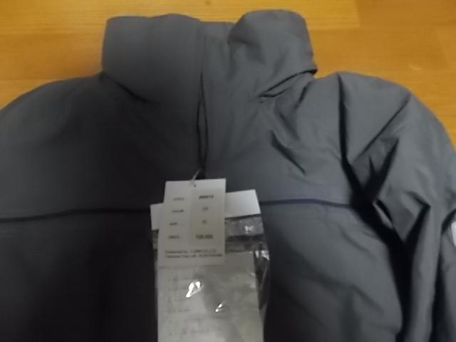 定価は26000円 新品 gush ガッシュ スノーボード ジャケット ジャンバー M 雪_画像2