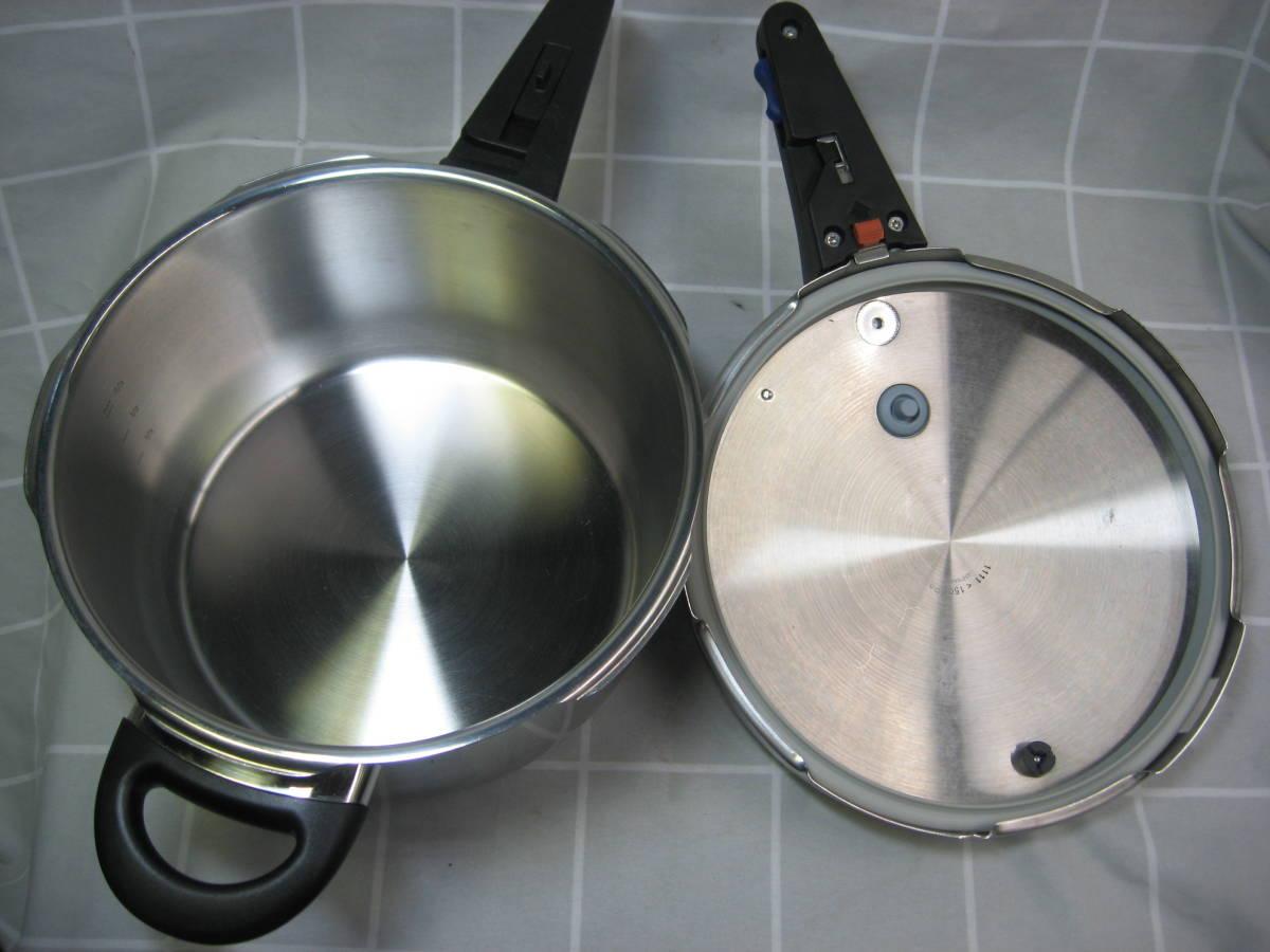 WMF ヴェーエムエフ ドイツ製 ネオパーフェクト圧力鍋 4.5L 綺麗です 送料無料_画像3