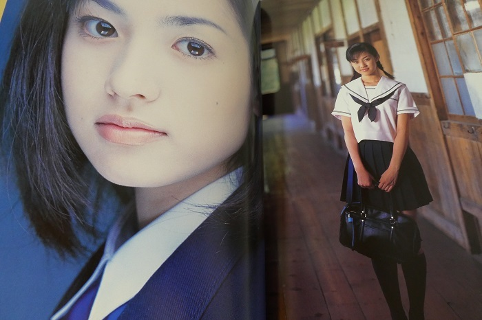 【深田恭子 卒業記念写真集 AVENIR 2冊組】特大ポスター2枚付き_画像2