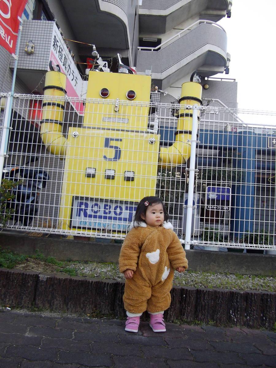 ◆激渋!◆超可愛いスケートボード『ミニオン』未使用◆箱悪【boxman_77】_巨大看板ロボットと看板ガールです。