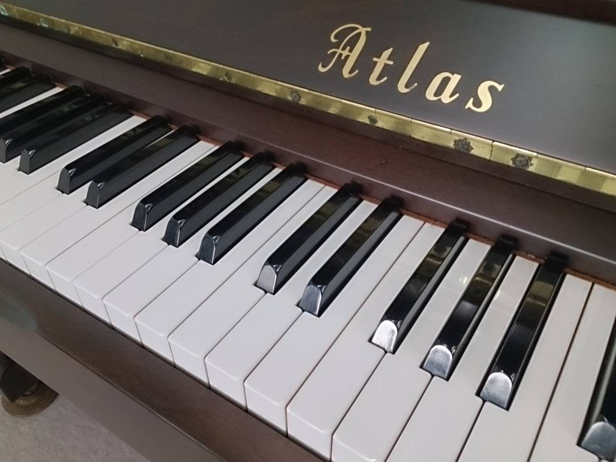 【アトラス ATLAS FA30W】 良き時代の堅牢ピアノ Maid in Japan ウォルナットMat仕上げ ロイヤルジョージ社製ハンマー 現物試弾OK!_画像5