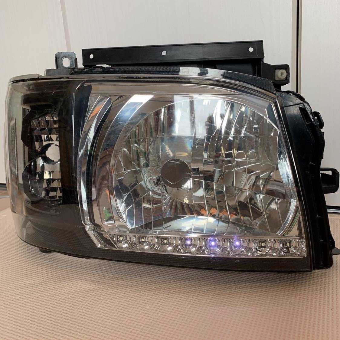 ハイエース 200 DEPO インナーブラック ヘッドライト_画像9