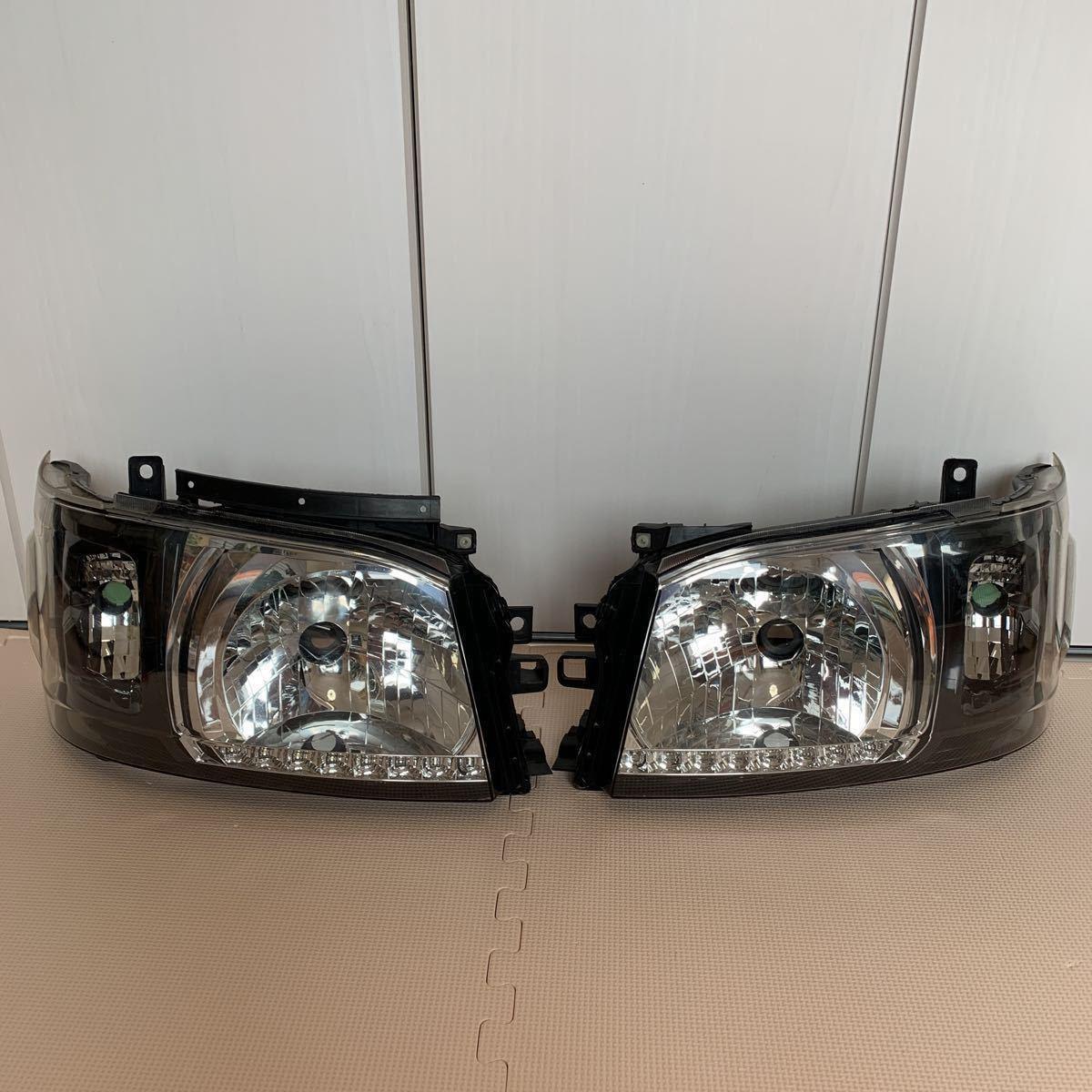 ハイエース 200 DEPO インナーブラック ヘッドライト_画像2