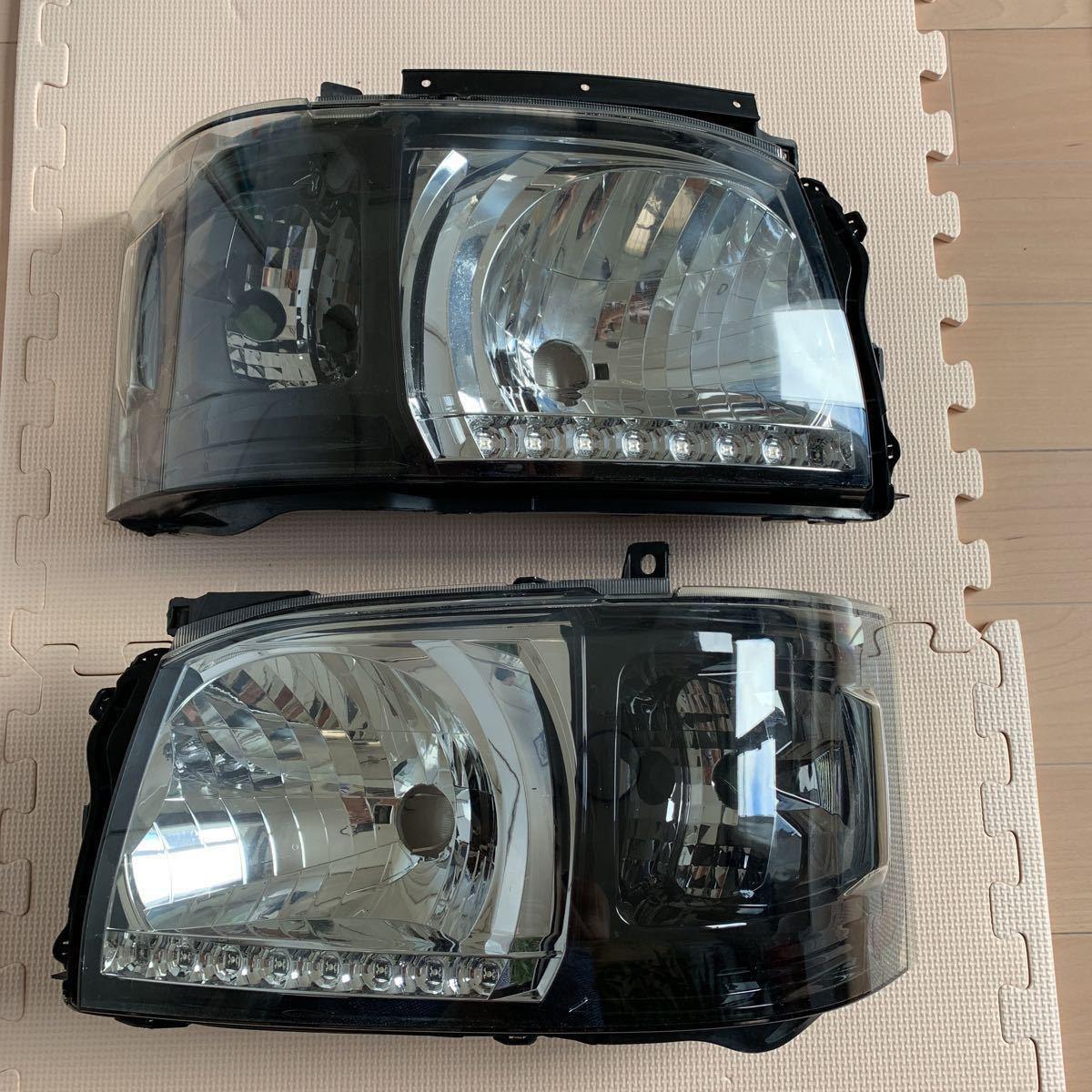 ハイエース 200 DEPO インナーブラック ヘッドライト