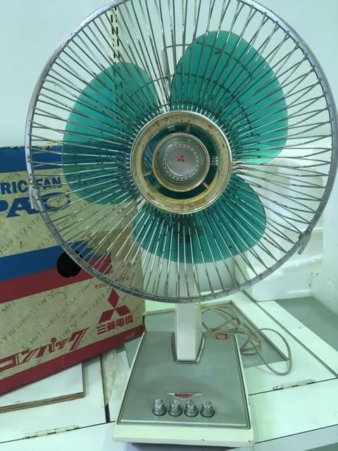 昭和レトロ MITSUBISHI 扇風機 コンパック/三菱電機 D30-H9 稼働品☆中古・元箱入り _画像4