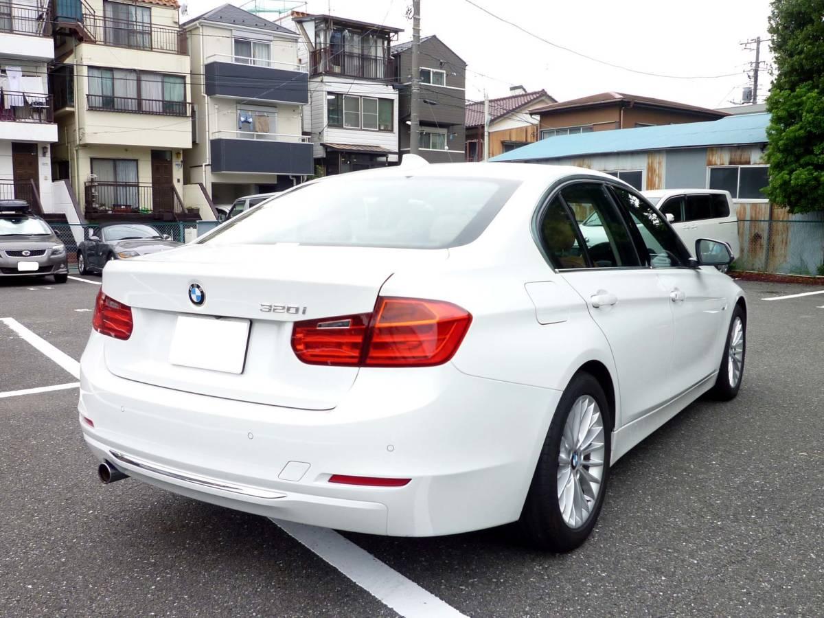 BMW F30 320iラグジュアリー アルピンホワイト 検32/09_画像6
