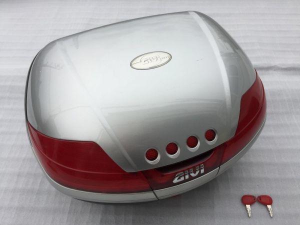 GIVI モノキーケース 46リットルタイプ V46シリーズ シルバー スペアキー付 トップケース リアボックス 人気モデル 大容量 流用 汎用 格安