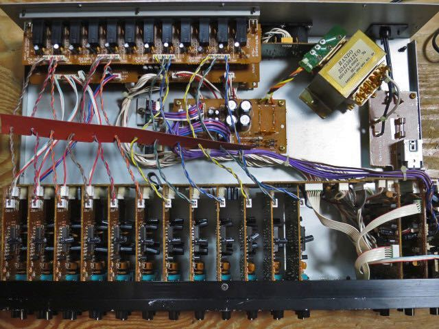 Roland 2Uラックマウント12chラインミキサー M-12E 動作品 高音質 EQ 2AUX キーボードミキサー ローランド ラックミキサー_画像8