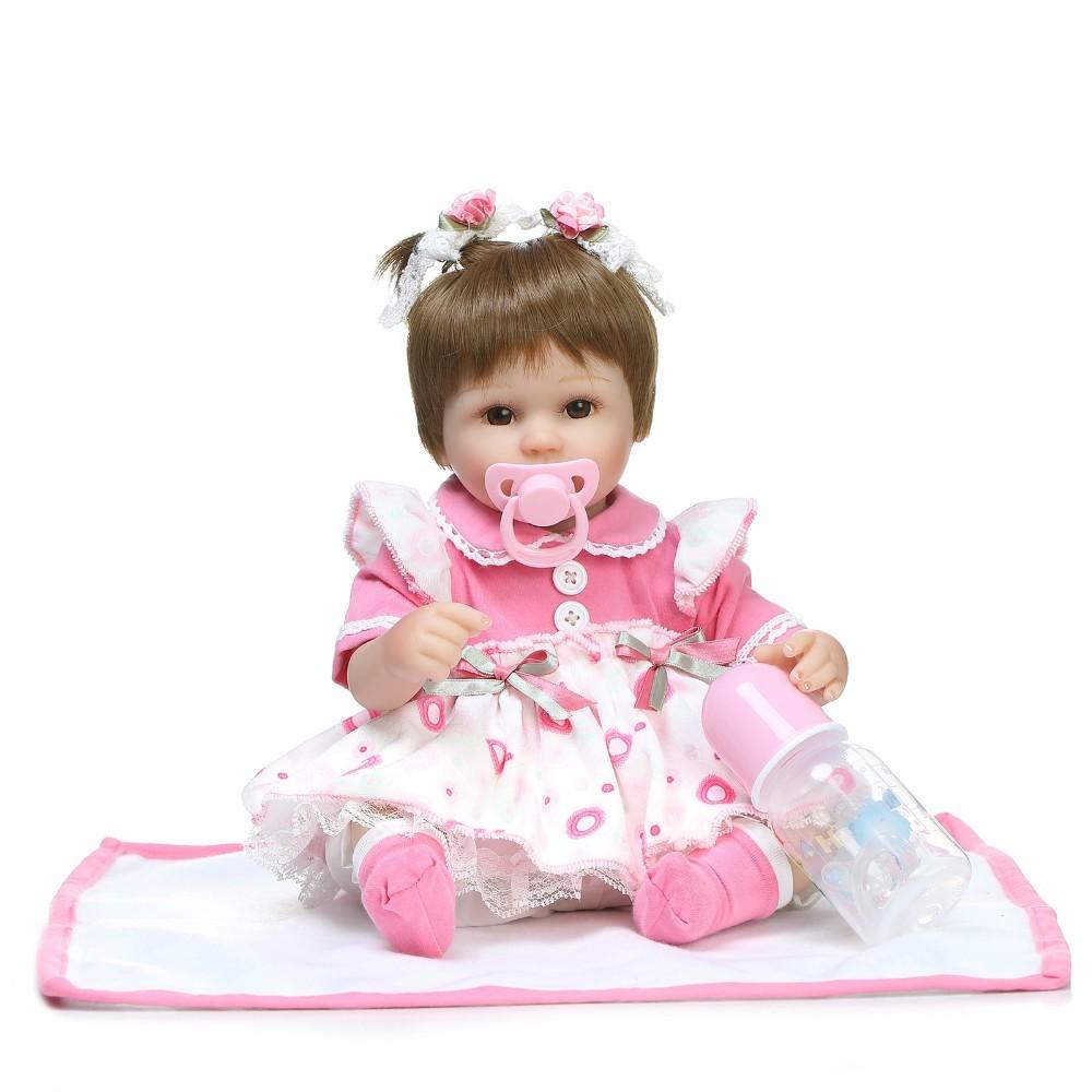 【送料無料】優しいお顔 女の子 リボーンドール 赤ちゃん人形 ベビー人形 ベビードール 抱き人形 リアル かわいい 乳児 お世話セット_画像2