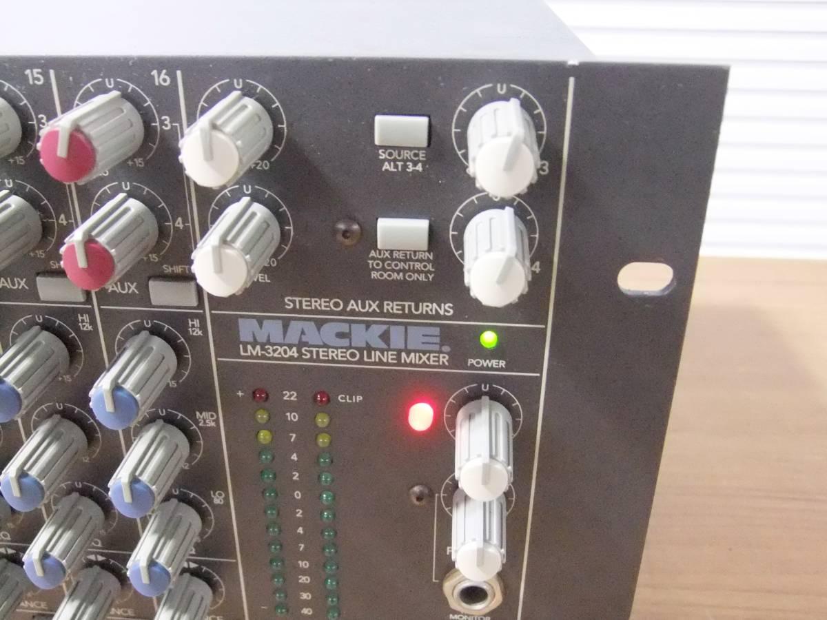 E1F肆◎【中古品】LINEミキサー MACKIE LM-3204 16chステレオ アナログラインミキサー_画像3