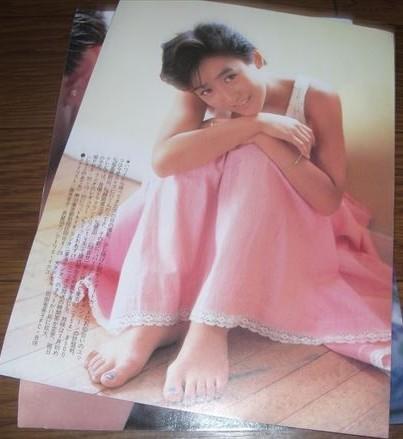 ★80年代・アイドル【岡田有希子①】12ページ切抜き 送料140円_画像8