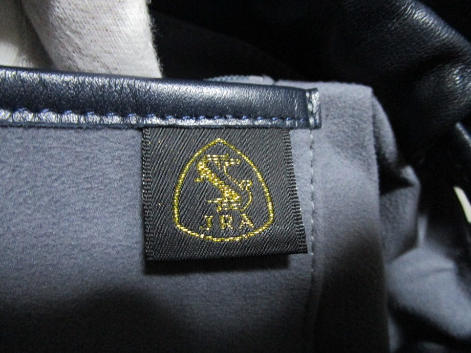 極美品 / 本物・高級 ◆ マットクロコダイル ◆ バッグ / ショルダーバッグ ◆ JRA公認 ◆ 斜め掛けOK ■ 34cm ■_画像10