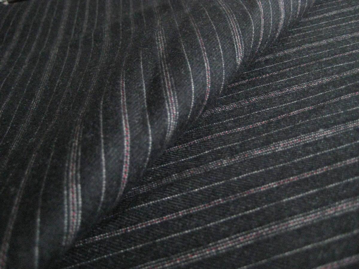 名品 テーラー&ロッジ チャコールグレー地に白とボルドーのオルタネイトストライプ 2.8m Taylor&Lodge_画像1