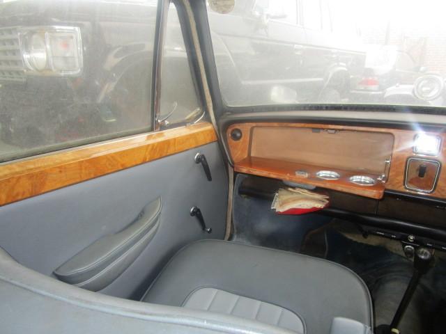 イギリス 旧車 バンプラ プリンセス 部品取り 書類無し _画像8