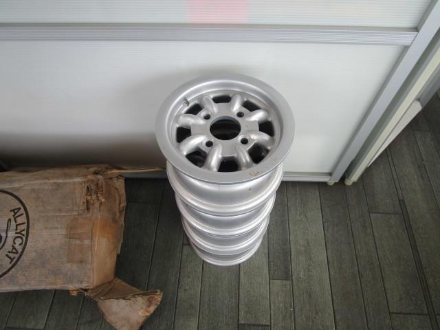 レア物 旧ミニ、ミニクーパー イギリス本国 当時物 10インチ ミニライト 未使用 4本セット_画像3