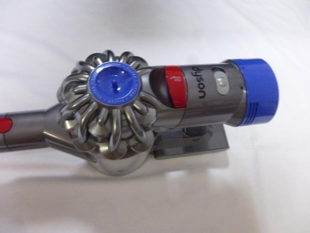 【中古】ダイソン 掃除機 コードレス V8 Fluffy SV10 FF2 スティッククリーナー_画像3