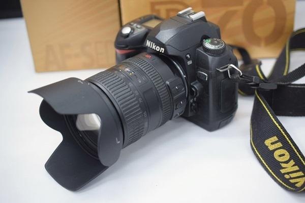 Nikon デジタル一眼 D70 Nikkorレンズ付