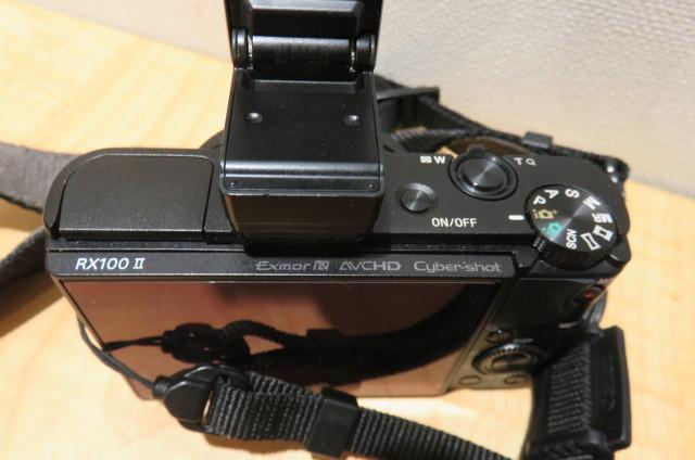 [20896] SONY ソニー DSC-RX100M2 サイバーショット デジタルスチルカメラ ブラック バッテリー無しのため動作未確認_画像2
