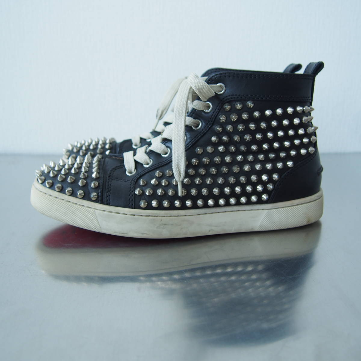 5f6941fccc9 中古 Christian Louboutin size 40 25cm LOUIS FLAT CALF/SPIKES クリスチャン ルブタン
