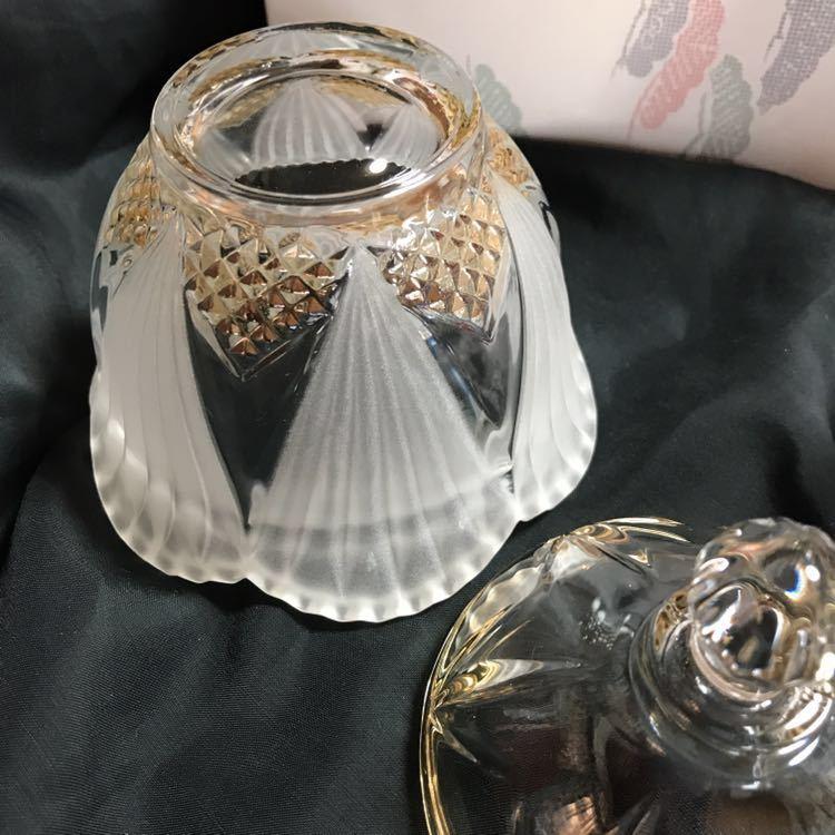 錦松梅の入っていた ガラスの美しい容器 蓋付き2個組み_画像7