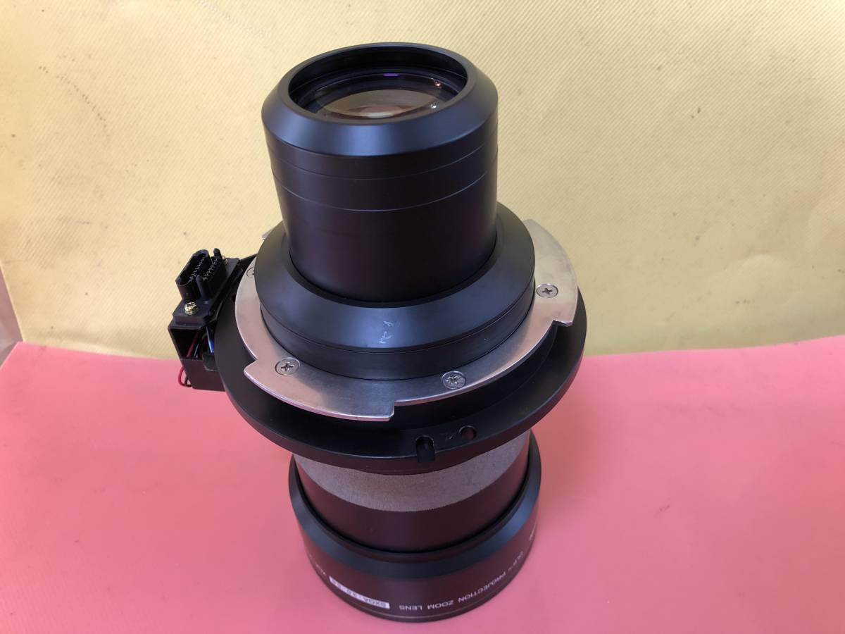 PANASONIC PT-DZ12000 PT-DS8500 PT-DZ21K TH-D10000 TH-D7700 TH-DW10000 PT-DZ8700 など用中焦点ズームレンズ ET-D75LE3 _画像5