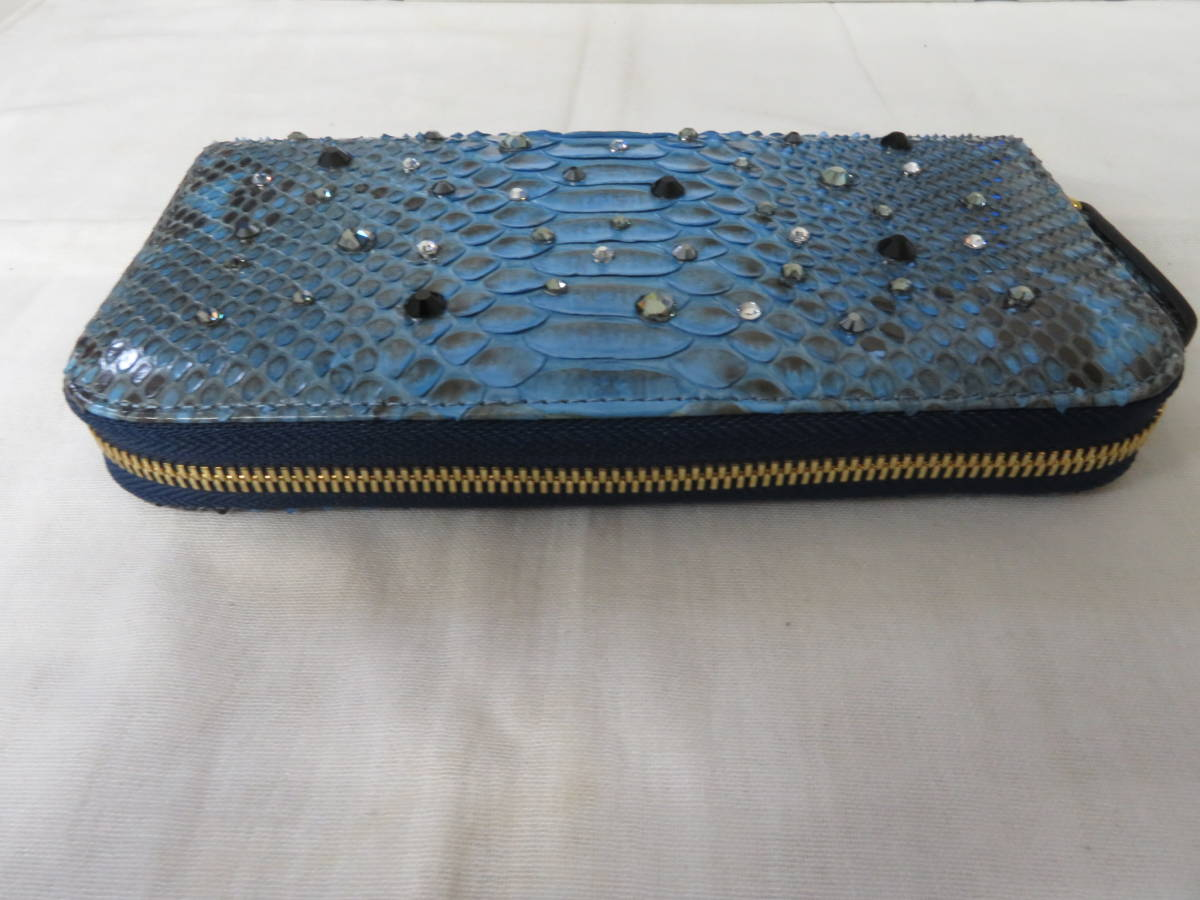 ☆☆未使用 シルヴァーノビアジーニ SILVANO BIAGINI パイソンレザー 長財布 イタリア製 ラウンドファスナー ブルー P6_画像4