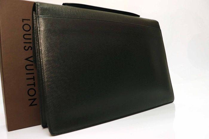 【美品】Louis Vuitton ルイヴィトン タイガ アンガラ ビジネスバッグ ブリーフケース メンズ アルドワーズ ブラック ビジネス鞄 _画像2