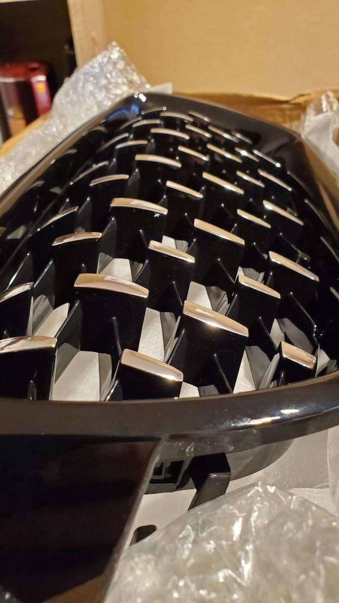 在庫一個 即発送BMW 2019年式 3シリーズ キドニーグリル f30 f31 f35 ダブルフィン 艶有り ブラック シルバー 左右セット ダイヤモンド_画像6